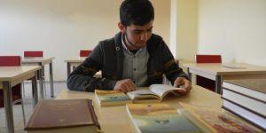 Umre ödülü kazanan genç: Peygambere olan ilgim arttı ve bilgilerim pekişti