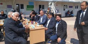 Samsat'ta depremzedelerden Yemen için kermes