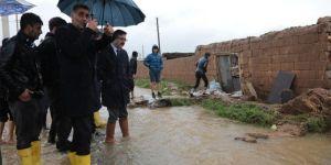 Kaymakam Yüzer selde zarar gören yerlerde incelemelerde bulundu