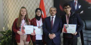 Cizreli öğrencilerden uluslararası bilim yarışmasında başarı