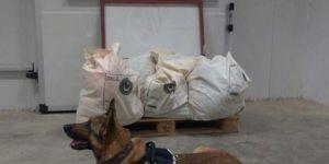 Hakkâri Gümrük Kapısı'nda 221 kilogram patlayıcı yakalandı