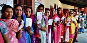 900 million voters go to polls in India