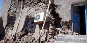 Kızıltepe'de evi çöken aile yardım bekliyor