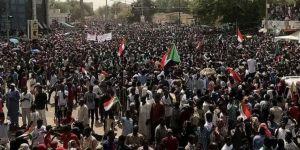 Sudan'da halk sivil bir yönetim istiyor