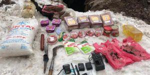 Bingöl'de PKK'nin kullandığı sığınakta yaşam malzemesi ele geçirildi