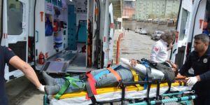 Tillo'da engellileri taşıyan minibüs kaza yaptı: 4 yaralı