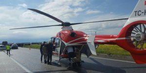Diyarbakır-Batman Karayolu'nda ambulans helikopter, kazada yaralananlar için yola indi