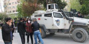 Kızıltepe'de basın açıklamasını okuyan kadın isim vermeyince gözaltına alındı