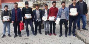 Viranşehir Cami-Derden kitap dağıtımı