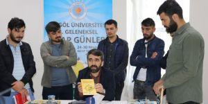 Bingöl Üniversitesinde yazarlar kitap fuarında okurlarıyla bir araya geldi