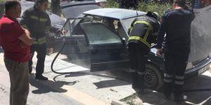Kızıltepe'de araca bırakılan telefon bataryaları yangına neden oldu