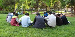 HÜDA PAR Bağlar Gençlik Kollarından kitap okuma etkinliği