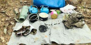 Başkale'de PKK'ye ait yaşam malzemesi ele geçirildi