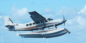 ABD'de deniz uçakları havada çarpıştı: 5 ölü