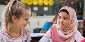 Almanya ilkokullarda başörtüsünü yasaklamaya hazırlanıyor