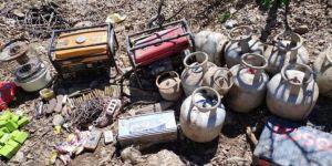 Yüksekova'da PKK operasyonunda mühimmat ve EYP yapımında kullanılan malzemeler ele geçirildi
