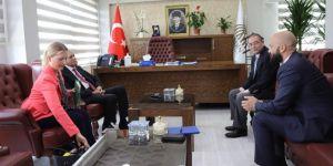 ABD Adana Konsolosu Ahmet Türk'le görüştü