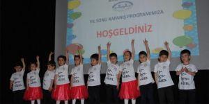 Bitlis'te Kur'an kursu çocuklarının yılsonu etkinliği göz kamaştırdı