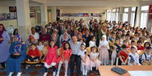 Kozan'da 4-6 Yaş Kur'an kursu öğrencileri diplomalarını aldı