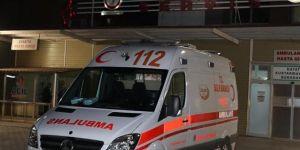 İslahiye'de iki otomobil çarpıştı: 3'ü ağır 4 yaralı