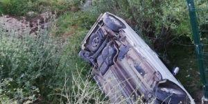Beşiri'de otomobil şarampole yuvarlandı: 1 yaralı