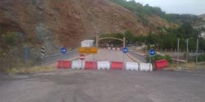 Maden'de yıkılma tehlikesi olan köprü trafiğe kapatıldı