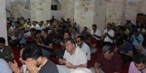 Nusaybinli'ler Kadir Gecesi'ni ihya etmek için camilere akın ettiler