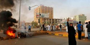 Sudan'da ordu protestoculara saldırdı: 35 ölü