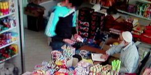 Nusaybin'de telefon hırsızı kameraya yakalandı