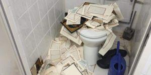 Almanya'da skandal olay: Kur'anları yırtıp tuvalete attılar