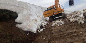 Karlıova'da haziran ayında karla mücadele