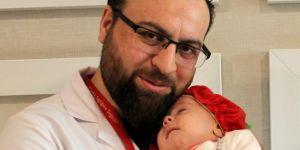 3 günlük bebek ameliyatla sağlığına kavuştu