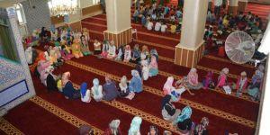 Kur'an ahlakı ile yetişen gençlik asla hıyanet içinde olmaz