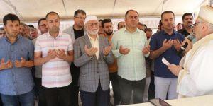 Muhammed Mursi'ye şahidiz, firavunlara karşı adam gibi dik durdu