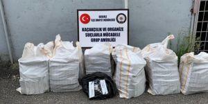 Başkale'de damperin yan bölmelerinde 8 bin paket kaçak sigara bulundu