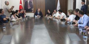 Ünlü şef ve gazeteciler Şanlıurfa Valiliği'ni ziyaret etti