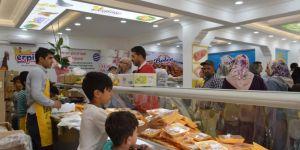 Siirt'te ucuz tavuğu duyan vatandaşlar şarküteriye akın etti