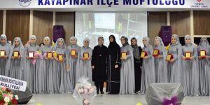 Diyarbakır'da İslami ilimlerini tamamlayan 20 hafize mezun oldu