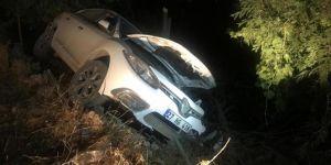 Nusaybin'de otomobil şarampole yuvarlandı: 2 yaralı