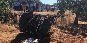 Nizip'te devrilen traktörün altında kalan çiftçi hayatını kaybetti