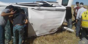 Köpeğe çarpmamak için sürücü direksiyon kırdı: 5 yaralı