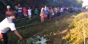Endonezya'da tren otomobile çarptı: 7 ölü