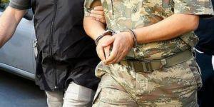 İzmir merkezli 28'i muvazzaf 42 asker hakkında gözaltı kararı