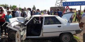 Ceylanpınar'da otomobil ile traktör kafa kafaya çarpıştı: 1 ölü