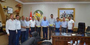 Gaziantep'te yılın ilk boz Antep fıstığına altın ödülü
