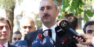 Bakan Gül: Kimse kendini trafik polisi, hâkim veya savcı yerine koymasın