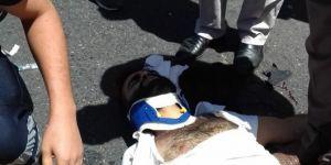 Batman'da park halindeki minibüse çarpan motosikletli ağır yaralandı