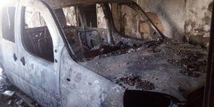 Nusaybin'de alev alan araç hurda yığınına döndü