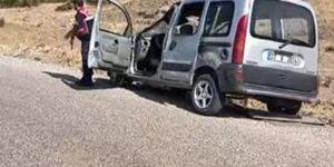 İslahiye'de hafif ticari araç devrildi: 12 yaralı
