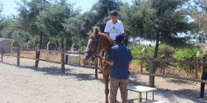 Adıyaman'da yaz Kur'an kurslarına giden çocukların at binme sevinci